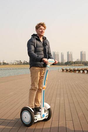 平衡车,电动平衡车,自平衡车